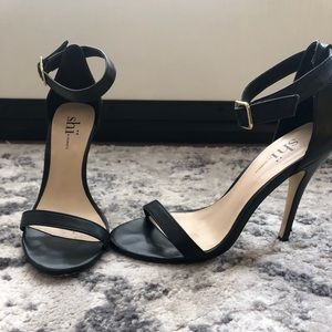 Shi by Journeys Black Classic Sandal Heels